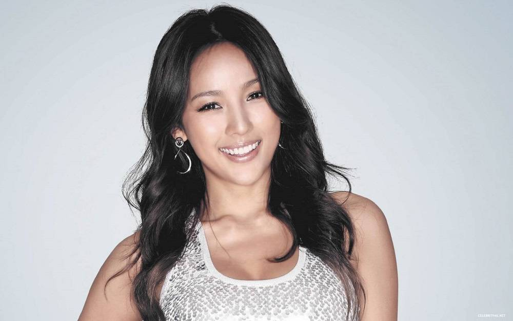 Back In Time: Our Top 10 Favorite Songs By Lee Hyori