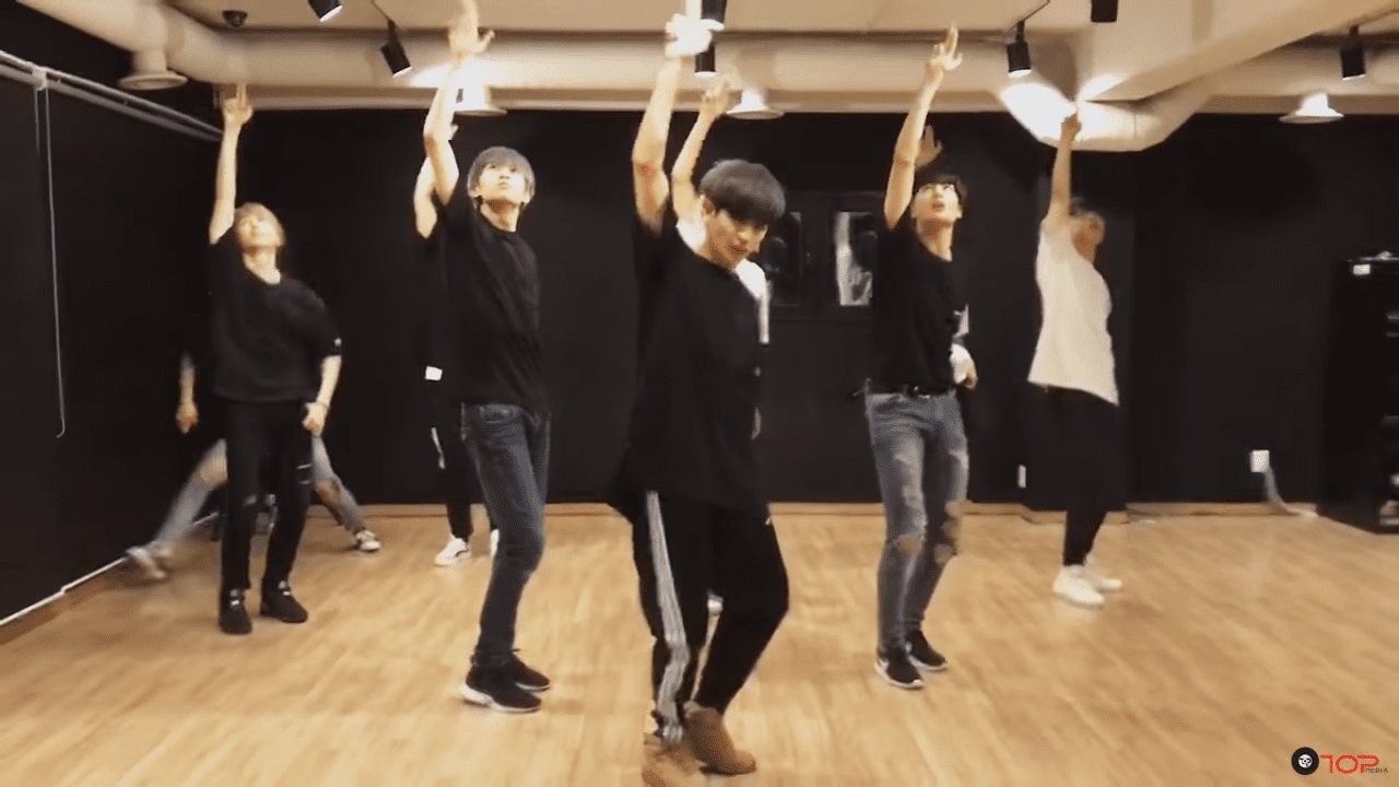 "WATCH: UP10TION Releases Impressive Dance Practice For ""Runner"""