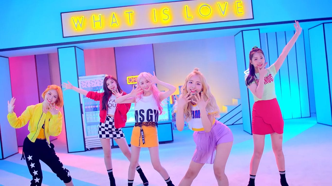 "WATCH: ELRIS Contemplates Difficult Love In ""Pow Pow"" MV"