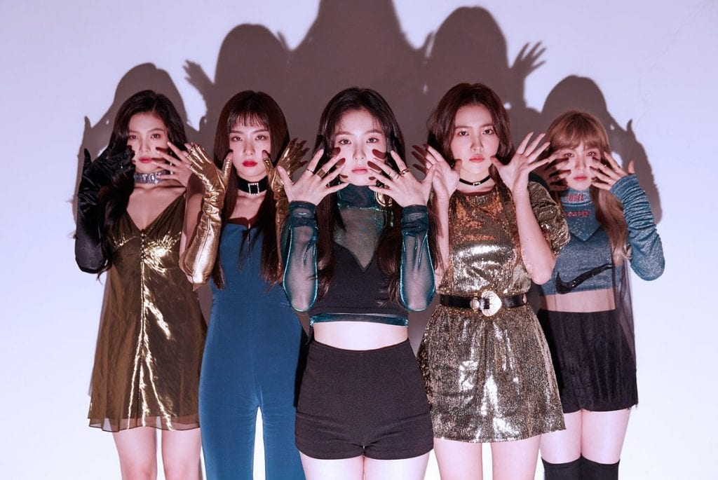Get The Look Red Velvet S Luxurious Style From Peek A Boo What The Kpop