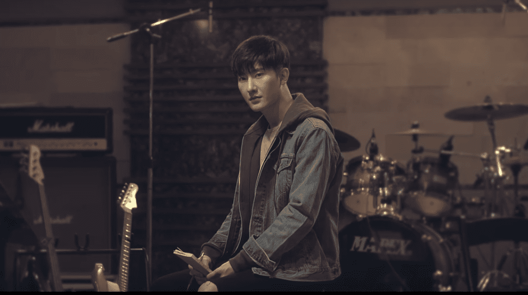 "WATCH: Super Junior M's Zhou Mi Makes Comeback With ""I Don't Care"" MV"