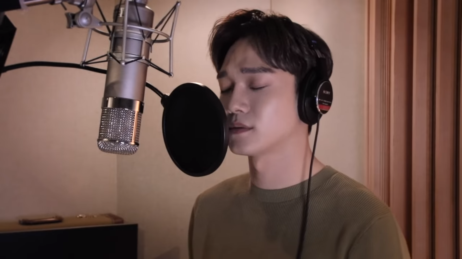 "WATCH: EXO's Chen Drops Beautiful Cover Of Paul Kim's ""Every Day, Every Moment"""