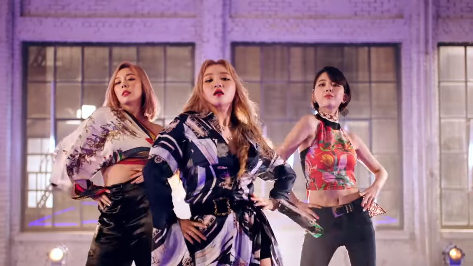 """WATCH: Ladies' Code Wants Your """"Feedback"""" In Lively Comeback MV"""