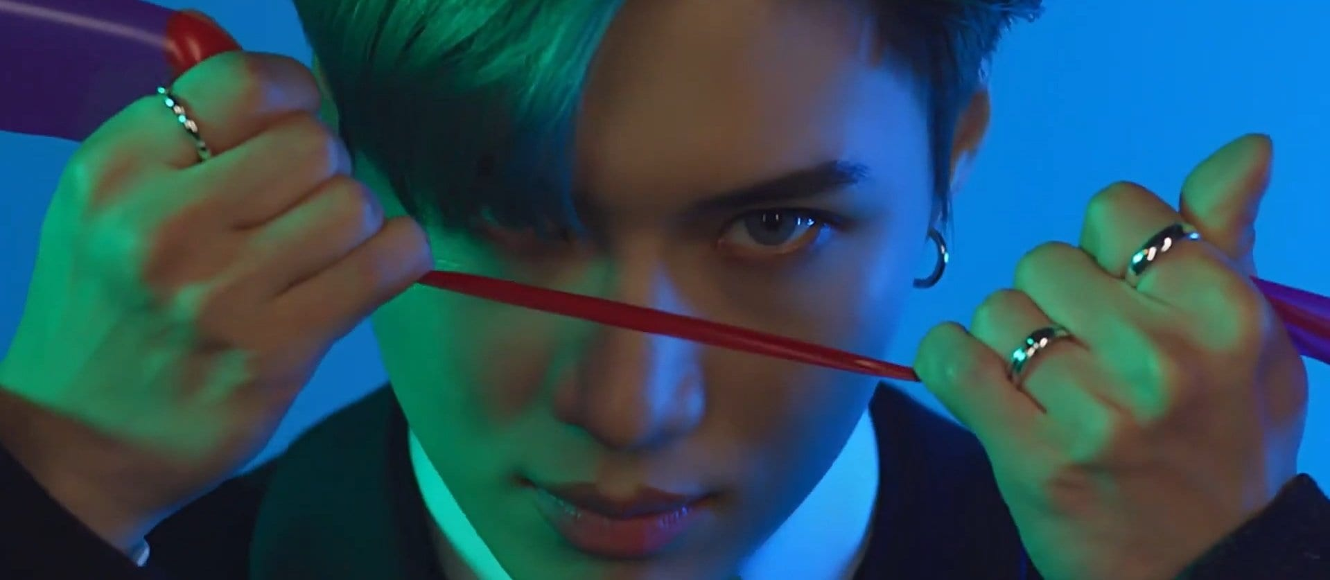 """WATCH: SHINee's Taemin Goes Dark In MV For Japanese Title Track """"Famous"""""""
