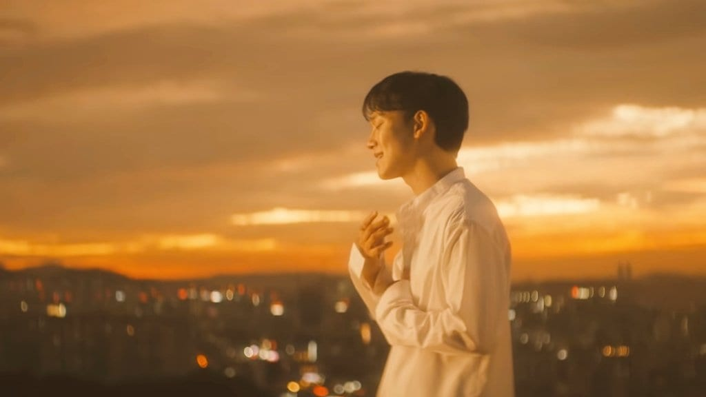 """WATCH: EXO's Chen Greets October With Nostalgic """"Shall We?"""" MV"""