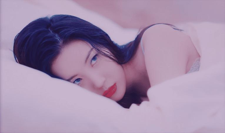 "WATCH: Sunmi Laments About Love In ""pporappippam"" MV"