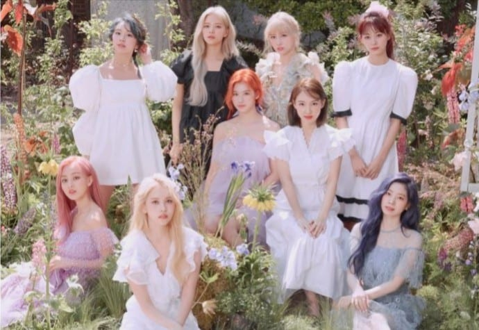 """LISTEN: TWICE Delights With English Version Of """"MORE & MORE"""""""