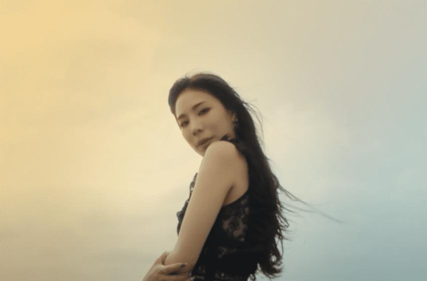 "WATCH: Former Stellar Member Jeonyoul Makes Solo Debut In ""Mamacita"" MV"