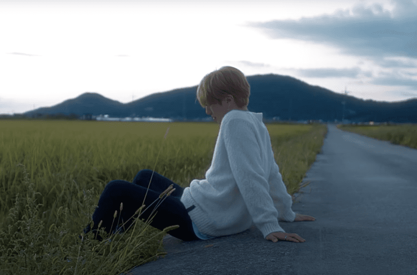 """WATCH: M.O.N.T's Narachan Declares His Love On """"September Hills"""" In Solo MV"""